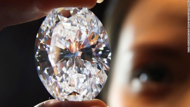 """アメリカが天然ダイヤモンドよりも明るく輝き、しかも硬度が高い新物質を開発。その名も""""Qカーボン""""。"""