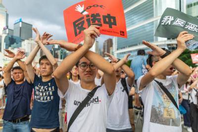 香港デモが世界危機に飛び火する?